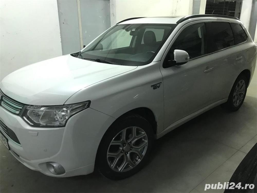 Mitsubishi Outlander INSTYLE PHEV PLUG-IN HYBRID 2.0 202 C.P 4WD TVA deductibil