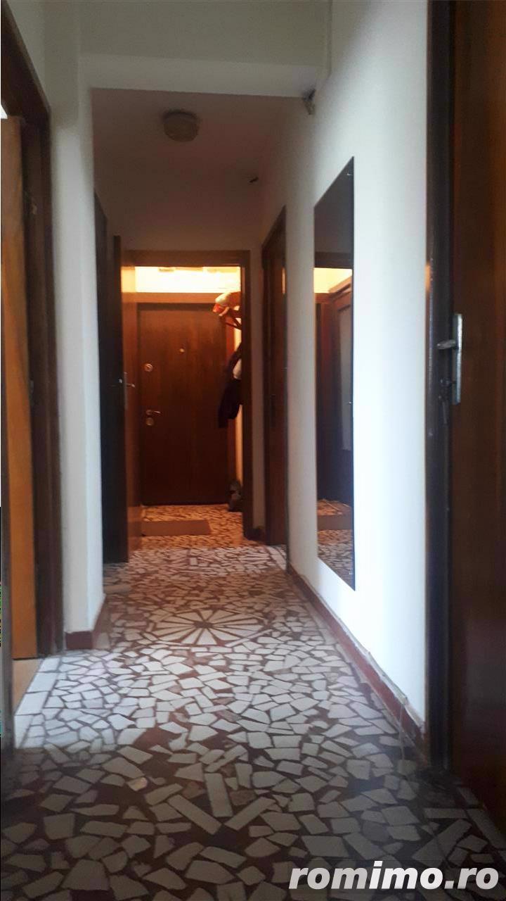 Cafrom Imobiliare - Central - Apartament 4 Camere de Vanzare