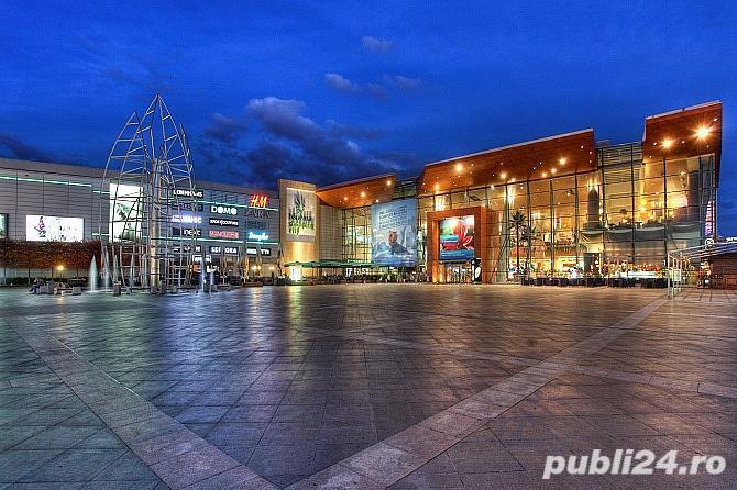 Baneasa shopping city- Tura in cabinet stomatologic