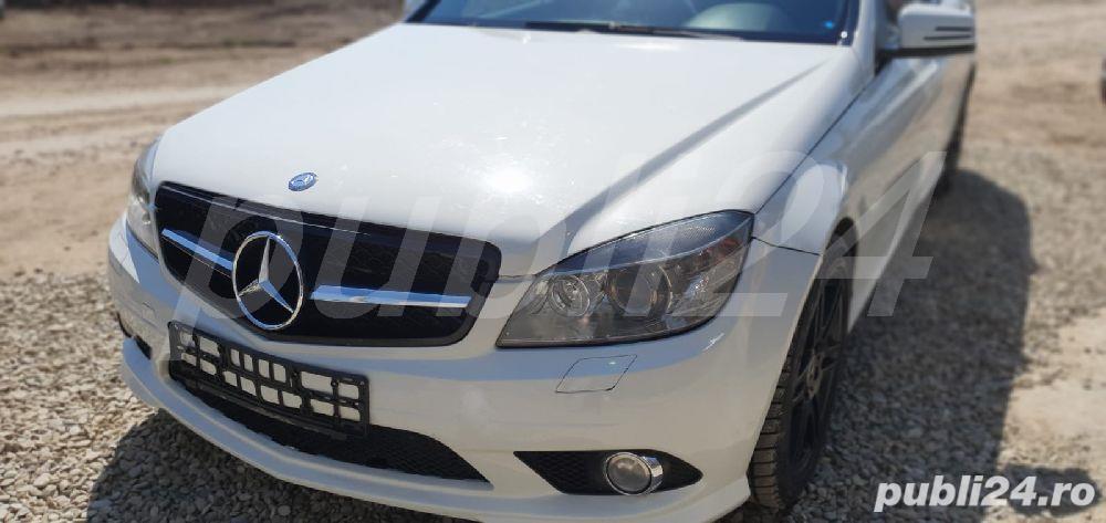 Mercedes-benz Clasa C 320 4 matic 225cp