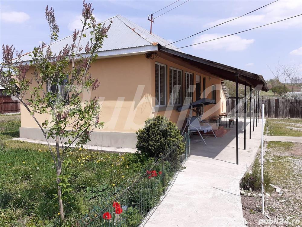 Casa de vanzare conditii de bloc+ Spatiu comercial vis- a-vis de scoala