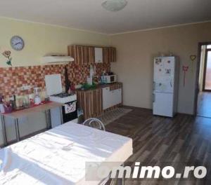 Pentru 10 persoane,Dumbravita,3 Dormitoare,Living,Bucatarie separata - imagine 8