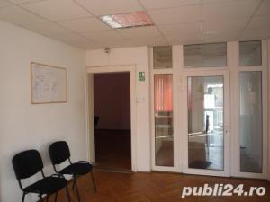 Inchiriez spatiu birouri mobilat in zona ultracentrala SIBIU  - imagine 7