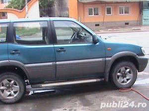 Nissan Terrano ii - imagine 4