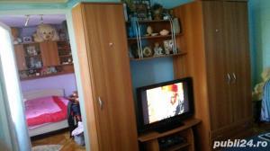 Persoana fizica VAND SAU SCHIMB apartament cu 3 camere COMPLET MOBILAT  - imagine 3