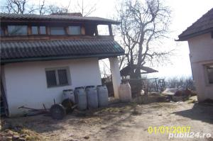 Vand casa mica cu mansarda + 2 ari de teren - imagine 1