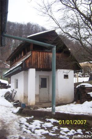 Vand casa mica cu mansarda + 2 ari de teren - imagine 3