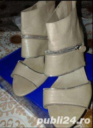 Sandale moderne, superbe , modele deosebite aduse din UK , mas. 38-39-40 - imagine 3