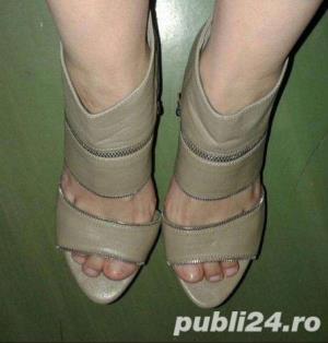 Sandale moderne, superbe , modele deosebite aduse din UK , mas. 38-39-40 - imagine 8