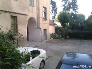 De vinzare un apartament din casa tip vila cu 2 etaje--ultracentral--- - imagine 1