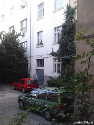 De vinzare un apartament din casa tip vila cu 2 etaje--ultracentral--- - imagine 2