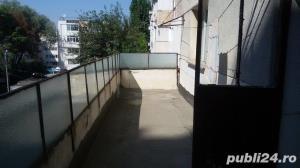 Vand apartament 3 camere , Zona piata halelor, Carrefour Market - imagine 2