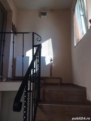 Casa cu 2 camere in zona rezidentiala - imagine 1