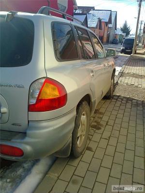 Hyundai Grand Santa Fe - imagine 10