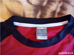 Tricou Nike Fit Marimea M  Material de foarte buna calitate si foarte placut - imagine 3