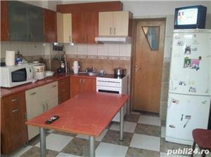 Casa de vanzare pentru 2 familii. - imagine 7