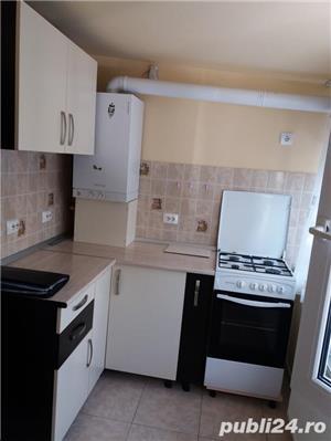 Inchiriem urgent apartament 2 camere, decomandat, semimobilat, utilat, renovat - imagine 2