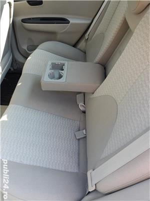 Hyundai Accent - imagine 9