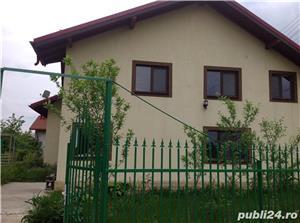 Vând CASĂ FRUMOASĂ ȘI SPAȚIOASĂ, 6 camere /1282 mp, în comuna Bilciurești! PREȚ NEGOCIABIL! - imagine 1