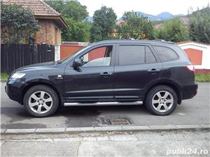 Hyundai Grand Santa Fe - imagine 1