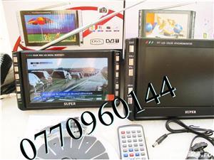 Televizor auto 12V 220V USB 18 cm Color, slot de card  si USB, priza 220V si adaptor pentru - imagine 9