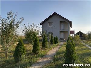 vand vila +teren intravilan 3300m2 - imagine 1