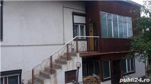 Vand casa in Reghin , posibilitate 2 familii , zona linistita,aproape de centru , toate  utilitatile - imagine 3
