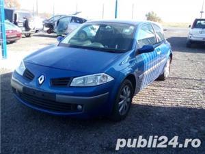 Dezmembrez Renault  Megane II  - imagine 2