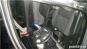 Subaru justy - imagine 6