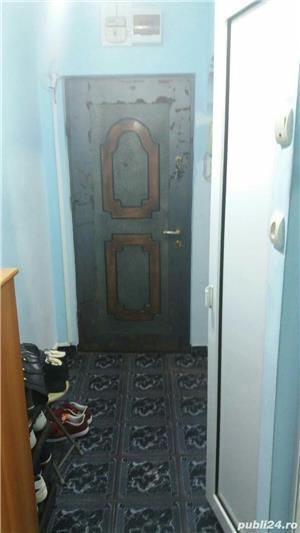 Persoana fizica VAND SAU SCHIMB apartament cu 3 camere COMPLET MOBILAT  - imagine 12