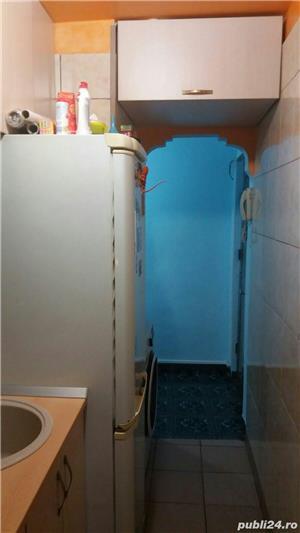 Persoana fizica VAND SAU SCHIMB apartament cu 3 camere COMPLET MOBILAT  - imagine 17
