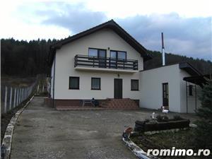 Vila noua Bacau(Podis, Com Margineni)  - imagine 1