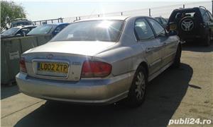 Dezmembrez Hyundai Sonata din 2002 2.7 benzina v6 tip G6BA - imagine 3