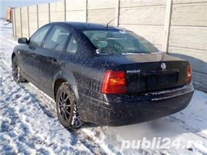Dezmembrez Volkswagen Passat  - imagine 4