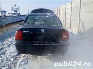Dezmembrez Volkswagen Passat  - imagine 8