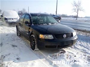 Dezmembrez Volkswagen Passat  - imagine 3