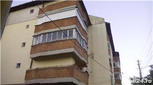 VAND apartament 4 camere decomandate in Nadlac  - imagine 2