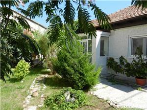 Casa renovata, cu teren 251 mp cu deschidere 15 m, Faleza Nord - imagine 1