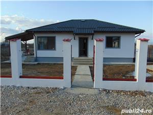 Casa cu 3 camere pe PARTER cu placa de beton deasupra pod pentru depozitare terasa beci LA CHEIE - imagine 2