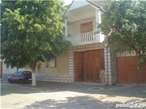 Vand casa superba P+1 cu 13 camere si teren de 978 mp in Caransebes,str. Romanilor. - imagine 1