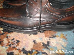Pantofi sport-piele Masura 41, pe talpa scrie 40 dar el este pentru 41 In perfecta stare - imagine 2