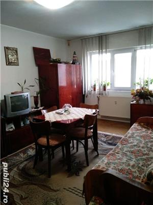 Vand apartament 3 camere  - imagine 1