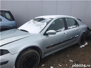 Dezmembrez Renault Laguna, An 2003 - imagine 2