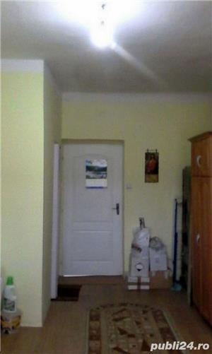 Garsoniera la casa in zona 9 Mai - imagine 6