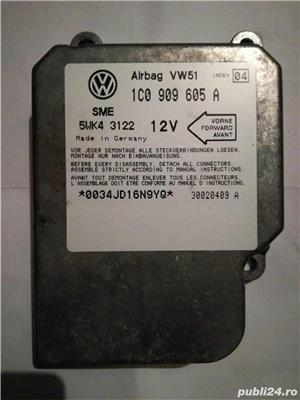 Calculator / modul airbag Audi A3 8L,  VW Bora, Golf 4, Passat 3BG / B5.5, Sharan, Skoda Octavia 1 - imagine 1