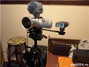 Camera SONY plus accesorii - imagine 2