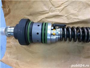 Injector motor Deutz BF6M2012C - imagine 2