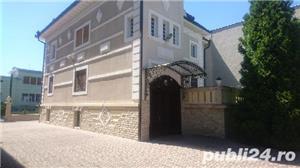 Vila lux ,central  - imagine 1