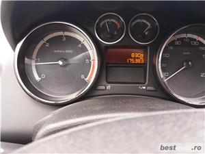 Peugeot 308 - imagine 8