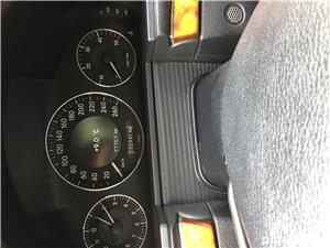 Mercedes-benz E 220 - imagine 11